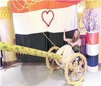 سياح الغردقة يحتفلون بعيد تحرير سيناء ويحيون الجيش المصري