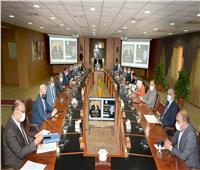 مجلس جامعة المنصورة يناقش تشديد الإجراءات الاحترازية داخل الحرم الجامعي