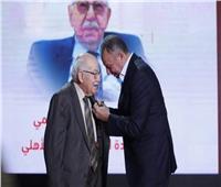 محمود فهمي بعد تكريمه بالقلادة الذهبية: «الأهلي بيتي الأول» | فيديو