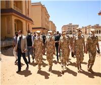 الفريق محمد فريد يتفقد الحالة الأمنية ويلتقي رجال القوات المسلحة بشمال سيناء