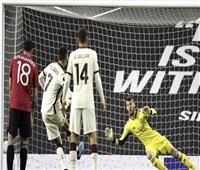 الشوط الأول   روما يتقدم بهدفين على مانشستر يونايتد في الدوري الأوروبي