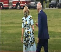شاهد| لقطة رومانسية لـ«بايدن» تجاه زوجته تخطف اهتمام الإعلام