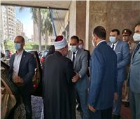 محافظ البحيرة يستقبل وزير الأوقاف والمفتي لإفتتاح مسجد عمر بن الخطاب