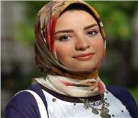 حكايات| آية محسن.. «اسكندرانية» اكتشفت كنزًا بالألوان في «الزلط»