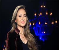 نيللي كريم باكية: «أمي جالها جلطة في المخ.. ومرضها كسرني»   فيديو