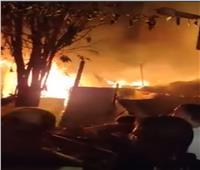 الدفع بـ4 سيارات إطفاء للسيطرة على حريق ضخم في الكيت كات