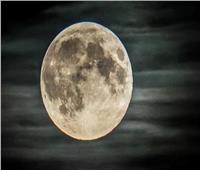 أجمل صورة للقمر بالأشعة فوق البنفسجية