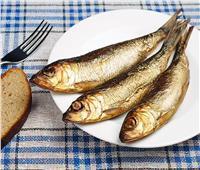 الصحة: التوجه للمستشفى فورًا عند الشعور بهذه الأعراض عقب تناول الأسماك المملحة