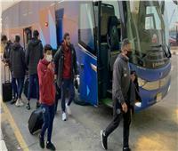 حافلة بيراميدز تصل لاستاد القاهرة استعدادًا للقاء الزمالك