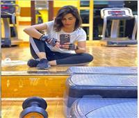 منة فضالي تدعم نفسها بتدريبات رياضية مكثفة