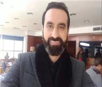 محمد يونس: المسرح هو الداعم الحقيقي في تكوين شخصية الممثل
