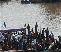 مصرع 25 شخصًا في غرق قارب وسط بنجلاديش