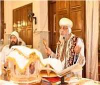 طقس إضافة الخميرة المقدسة للميرون الجديد بدير الأنبا بيشوي