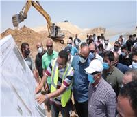وزير النقل يتفقد أعمال تحويل «العين السخنة» لأكبر ميناء محوري بالبحر الأحمر