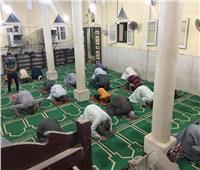 رواد المساجد بمديرية أوقاف سوهاج يؤدون صلاة التراويح في أجواء إيمانية