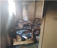 صور| حريق يلتهم شقة بالكامل في قرية «إمياي» بالقليوبية