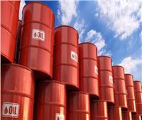 انخفاض أسعار النفط رغم تخفيف القيود واحتمال زيادة الطلب على الوقود