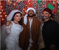 شاهد| «دق الغرام بابي».. أحمد سعد يُغني في زفاف محمد رمضان وسمية الخشاب