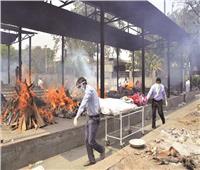 خبير أمريكي: الهند مقبلة على أسابيع «مروعة» مع تفاقم كارثة كورونا