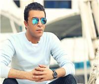 غلق وتشميع كافيه شهير مملوك للمطرب مصطفى كامل في حي الدقي بالجيزة | صور