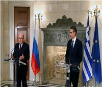 رئيسا الوزراء الروسي واليوناني يناقشان عبر الهاتف مكافحة فيروس كورونا