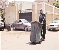منهم رجال المرور وعمال النظافة والحرفيون.. أبطال على جبهة «الحر»