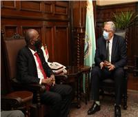 «القصير» يبحث مع وزير الثروة الحيوانية السوداني سبل التعاون
