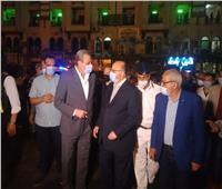 محافظ القاهرة ومدير الأمن يشنان حملة لضبط المحلات المخالفة لمواعيد الغلق