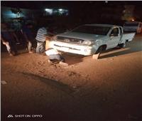 سقوط سيارة رئيس وحدة محلية بالشرقية في بالوعة صرف صحي | صور
