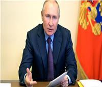 بوتين: الصراع يحتدم في السوق العالمية بين مصنعي الأدوية المضادة لكوفيد-19