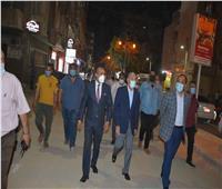 محافظ المنيا يقود حملة لمتابعة الالتزام بمواعيد الغلق الجديدة