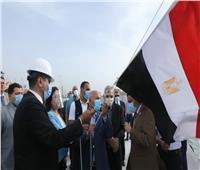 وزير النقل يشهد رفع العلم على القاطرة الجديدة «أبو جندية» في دمياط