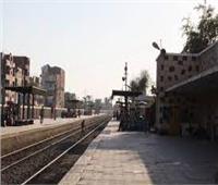 إصابة شاب سقط من قطار في نجع حمادي