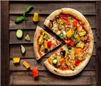 مطبخ رمضان| بيتزا «الطاسة» بالخضار لوجبة سحور خفيفة وشهية