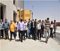 محافظ مطروح يتفقد صومعة تخزين الغلال بمدينة الحمام