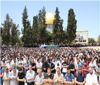 70 ألفا يؤدون الجمعة الأخيرة من شهر رمضان في رحاب المسجد الأقصى
