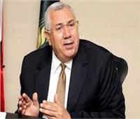 بعد لقاء الرئيس.. وزير الزراعة يلتقي بـ«عم فهمي»