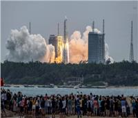 تفكك الصاروخ الصيني «الضال» فوق بحر العرب | فيديو