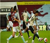 بث مباشر| انطلاق مباراة أستون فيلاومانشستر يونايتد في الدوري الإنجليزي