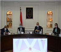 وزير الإسكان يناقش مخطط تنمية مشروع «باب مصر»