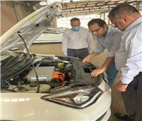 وزير قطاع الأعمال العام يزور «النصر للسيارات» ويتفقد 13 سيارة «E70»