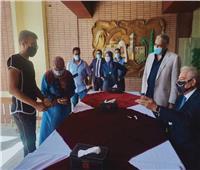 محافظ جنوب سيناء يسلم ملابس العيد لـ165 طفل