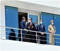 فيديو| الرئيس السيسي يتفقد المجرى الملاحي لقناة السويس