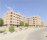 الرئيس يفتتح 270 وحدة سكنية للمحالين للمعاش بهيئة قناة السويس