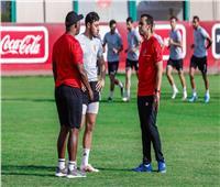 موسيماني يعقد جلسة مع أكرم توفيق ومحمد هاني
