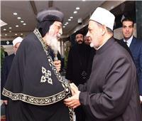 هاتفيًا.. البابا تواضروس يهنئ شيخ الأزهر بمناسبة عيد الفطر