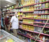 محافظ الوادي الجديد يتابع تطبيق الإجراءات الاحترازية بالأسواق والمحال التجارية