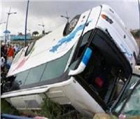 مصرع سائق ميني باص في حادث انقلاب سيارته بالمنيا