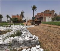 إزالة تعديات على أراضي زراعية بأسيوط في وقفة عيد الفطر