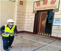 تعقيم وتطهير المساجد استعدادًا لصلاة العيد في أسيوط